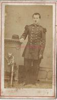 CDV Soldat Vers 1870 Pas De Marque Sur Le Col-épée-photo Charles Janvier à Salon - War, Military