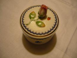 Runde Porzellan-Dose Mit Aufgesetzter Rose (669) - Ginori (ITA)