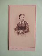 Photographie Ancienne CDV - Portrait De Femme - Epoque Napoléon III -  Photo SILLI, Nice & Vichy  - TBE - Photographs