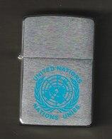 ZIPPO - UNITED NATIONS -  Chromé Brossé  1995 - Réf, 745 - Zippo