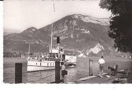 CPSM ANNECY (74) DEPART DU BATEAU Et LE MONT VEYRIER - Annecy