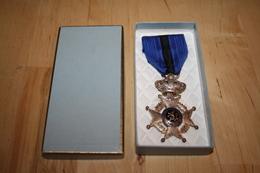 Medaille A Determiner Avec Sa Boite - Belgien