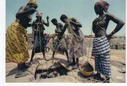 AFRIQUE EN COULEURS PUITS - Postcards