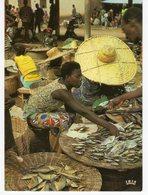 AFRIQUE EN COULEURS MARCHANDES DE POISSONS. - Postcards