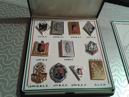 Coffret 11 Insignes Légion Etrangère - BALME-SAUMUR - Abzeichen & Ordensbänder
