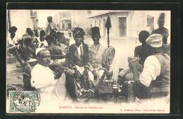 CPA Djibouti, Devant Un Cafe Somalis - Postcards