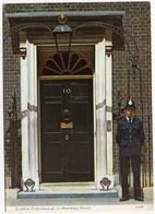POLICE:  London Policeman At 10 Downing Street - BOBBY -  (Charles Skilton & Fry Ltd) - Politie-Rijkswacht