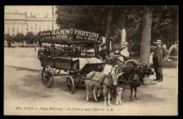 69 - Lyon Place Bellecour Voiture à Chevre Troika Pub Petrol Hahn Phryline #01108 - Autres