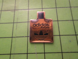 311a Pin's Pins / Beau Et Rare / THEME PARFUMS : FLACON DE PARFUM ADIDAS - Perfume