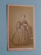 DAME - FEMME - FRAU - WOMAN ( Old / Vieux CDV Photo : Chs. STALPAERT Lierre Belgique ) +/- 1900 ! - Photos