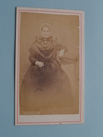 DAME - FEMME - FRAU - WOMAN ( Old / Vieux CDV Photo > ?? NO ID ) +/- 1900 ! - Photos