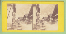 INTERLAKEN, Canton De Berne : Une Rue Vers 1860 - 1870. Photo Stéréoscopique. 2 Scans - Photos Stéréoscopiques