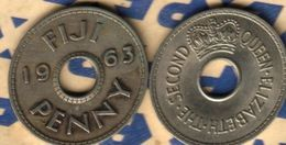 FIJI BRITISH 1 PENNY INSCRIPTIONS FRONT QEII NAME BACK 1963 F+ READ DESCRIPTION CAREFULLY !!! - Fiji