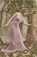 ILLUSTRATEUR FEMME AVEC ROBE TRANSPARENTE   A.M.  PATENT - Illustrators & Photographers