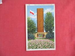 Polish Pavilion NY Worlds Fair 1939  Has Crease      New York > New York City      Ref 3075 - Exhibitions