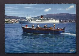 CPSM 20 - AJACCIO - L'Arrivée Du Fred Scamaroni - TB PLAN Bâteau Ferry Entrant Dans Le Port + Pêcheurs 1er Plan - Ajaccio