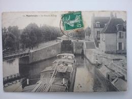 Montargis    (peniche )schiffe Arken Binnenvaart - Péniches