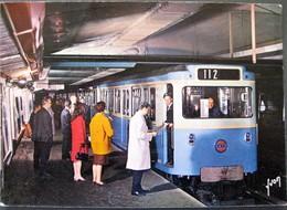 PARIS SUBWAY / COULEURS ET LUMIERE DE FRANCE 75 PARIS - Metropolitana