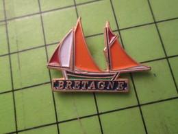 810i Pin's Pins / Beau Et Rare / THEME BATEAUX : VOILE VOILIER VIEUX GREEMENT BRETAGNE - Airplanes