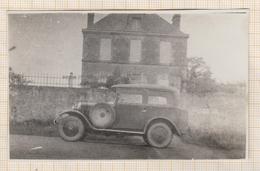 8AK3754 Petite Photo Amateur 10 X 6.5  Région De PLOUHA VOITURE ANCIENNE  2  SCANS - Automobiles
