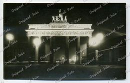 Foto AK Berlin - Brandenburger Tor Bei Nacht, 1920/30er Jahre (D144) - Porte De Brandebourg