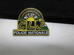PIN'S    POLICE NATIONALE   C L J - Police