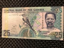 GAMBIA 25 DALASIS 2013 - Pick 27c Unc - Gambie