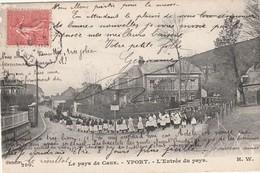 76 Yport. L'entrée  Du Pays.Procession - Yport