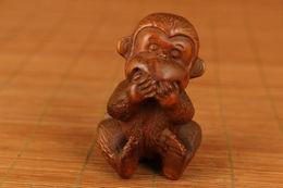 Chinois Vieux Buis Sculpté à La Main Singe Statue Netsuke Noble Cadeau Décoration - Asian Art