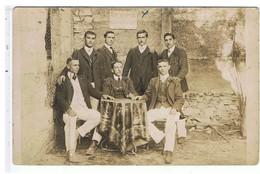 PHOTO ANCIENNE-1908-VEDENE-PHOTO D'UN GROUPE DE 7  D'HOMMES LES JOYEUX AMIS VEDENOIS- - Anonyme Personen