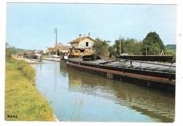 Péniche à Episy (77 - Seine Et Marne)  L'écluse - Péniches