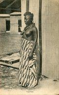 L'AFRIQUE OCCIDENTALE N° - ETHNIQUE - Type Noir - COIFFURE BIJOUX SEINS NUS - Postcards