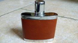 Flasque à Alcool De Poche Voyage - Métal Chrome STAINLESS STEEL 50Z - Habillé Cuir Marron Vers 1960/70 - ANGLAIS - Whisky