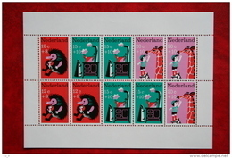 Blok CHILDREN KINDEREN ENFANTS NVPH 899 (Mi Block 6); 1967 POSTFRIS / MNH ** NEDERLAND / NIEDERLANDE - 1949-1980 (Juliana)