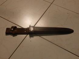 Fourreau De Baionnette/D'époque Et De Type à Determiner/US M8 A1???A Voir - Knives/Swords