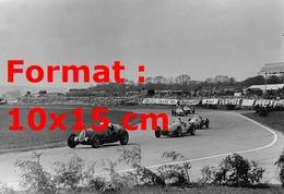Reproduction D'une Photographie Ancienne D'une Alfa, Bira, Osca Et Une Maserati En Course à Goodwood En 1951 - Reproductions