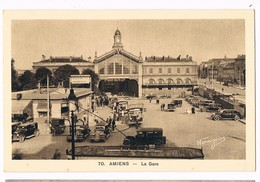 AMIENS  80  La Place De La Gare . Parking . - Amiens