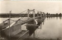 49 -  Cpsm Pf -  MONTJEAN - Le Pont Suspendu 102 - Other Municipalities