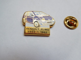 Beau Pin's En Zamac , Auto Renault Twingo , Usine De Flins - Renault