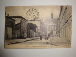 79 Niort La Rue Thiers Et L'hôtel De Ville - Bon état - Niort