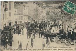 Alpes Maritimes : Villefranche Sur Mer, La Place Amélie Pollonnais Un Jour D'Arrivée De Paquebot, Belle Animation - Villefranche-sur-Mer