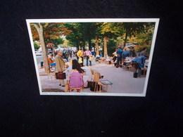 Paris . Le Marché Aux Timbres . N° 1.Voir 2 Scans . - France