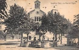 CPA SAINT-CYR ( Var ) - La Place Et L'Eglise - Saint-Cyr-sur-Mer