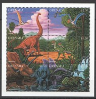 R761 GRENADA FAUNA REPTILES DINOSAURS PREHISTORIC ANIMALS 1KB MNH - Prehistorics