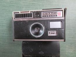 Appareil Photo Kodac Dans Sa Pochette - Cameras