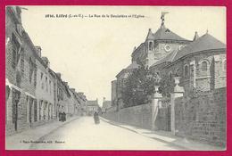 CPA Liffré - La Rue De La Bouëxière Et L'Église - France