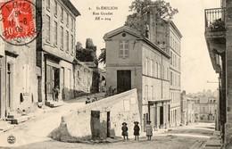 33. CPA. SAINT EMILION.  Rue Guadet.  1909. - Saint-Emilion