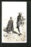 Foto-AK Quetta, Pakistani Und Kind - Ansichtskarten