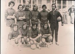 RUISELEDE     FOTO 1973 - 14 X 10 CM -  VOLLEYBALCLUB PERVO - Ruiselede