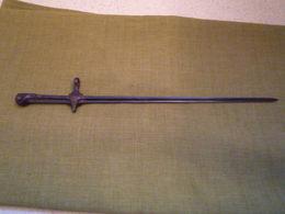 Rare Baionnette De Cycliste Suisse - Knives/Swords